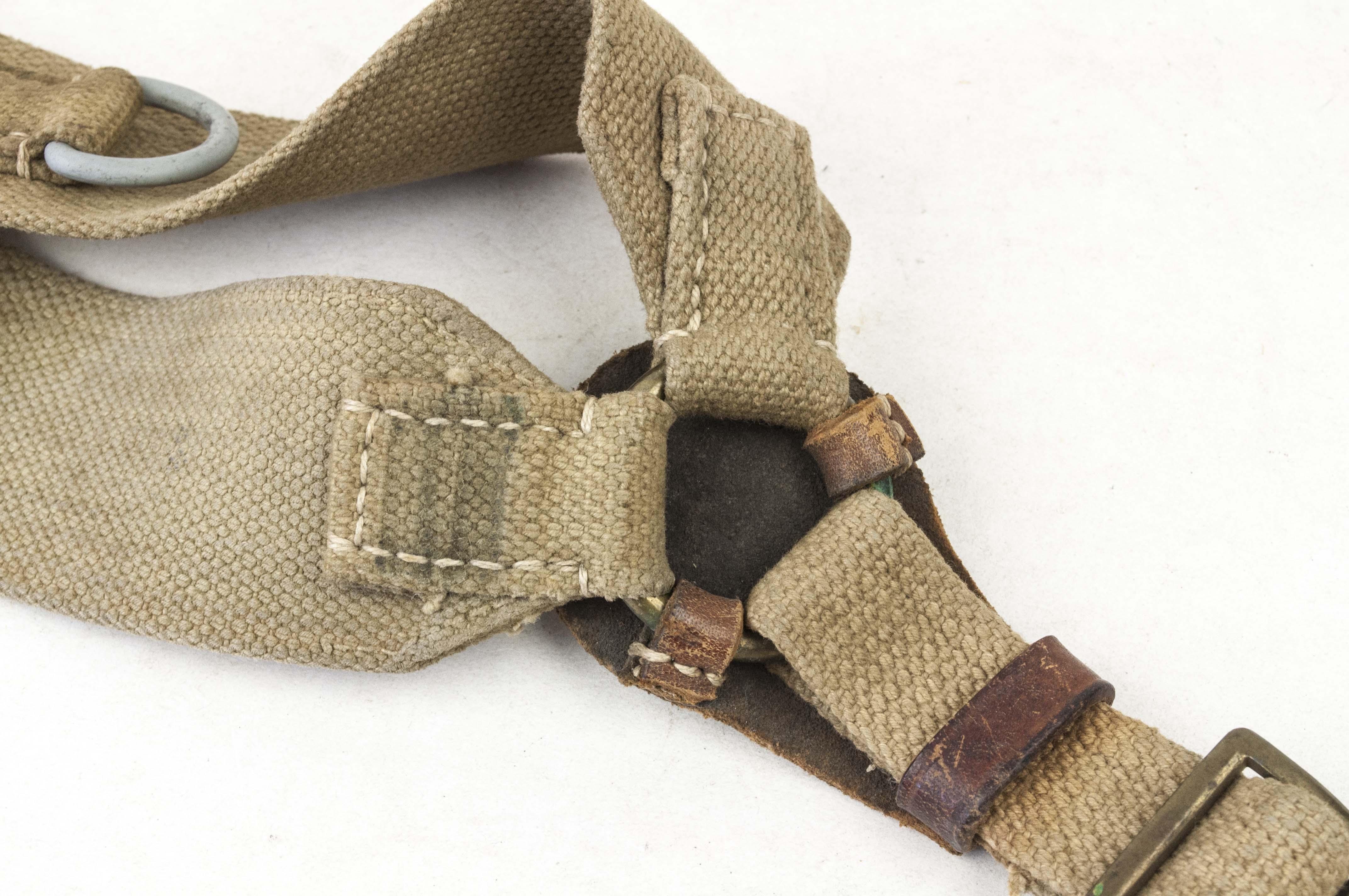 Y-straps – captured British webbing – fjm44
